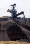 Der Absetzter verkippt den Tagebau wieder
